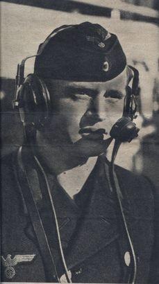 Befehlsübermittler - Foto: PK-Aufnahme