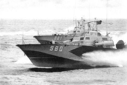 KTS-Boote vom Typ Libelle in Formation - Bild: Seemann
