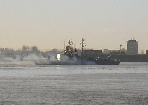 """""""S75 Zobel"""" beim Auslaufen Wilhelmshaven - Foto: K. Scheuch"""