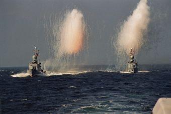 Begrüßung heimkehrender Boote - Foto: Archiv Förderverein