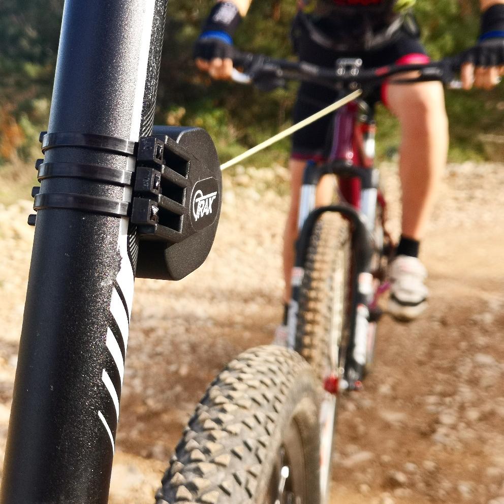 ...Befestigung erfolgt durch mitgelieferte Kabelbinder, somit auch wieder demontierbar und kann zum nächsten Bike mitgenommen werden.