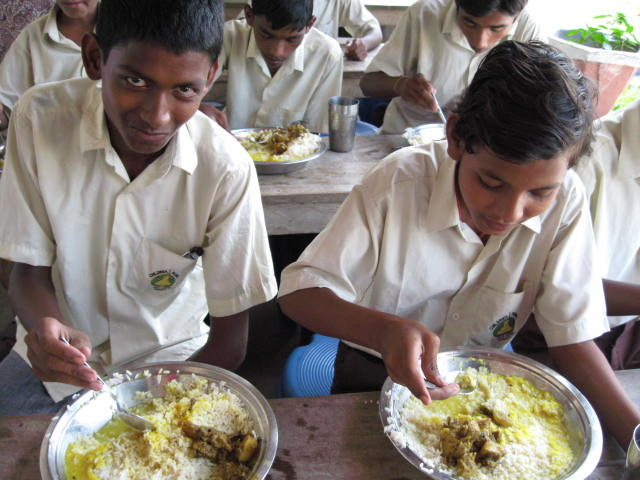 We provide everyday lunch so that students can be healthier.