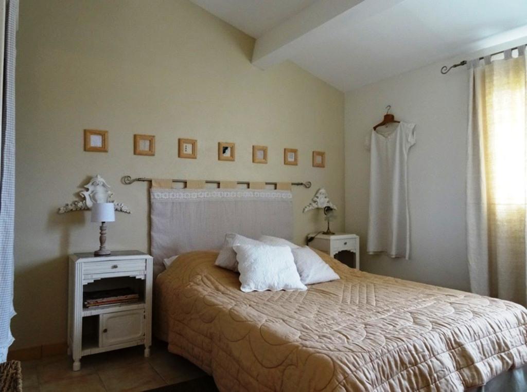 chambre lit double, le fil