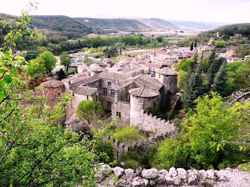 village médieval Vogüé