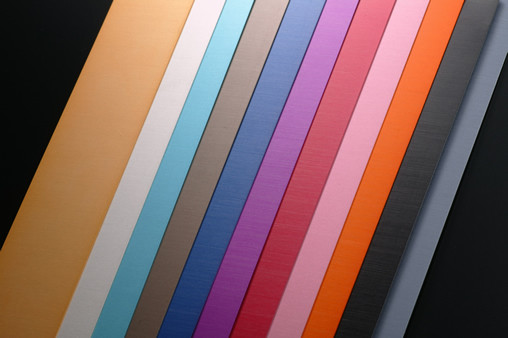 染色加工 発色、カラーバリエーションの豊富が強みです