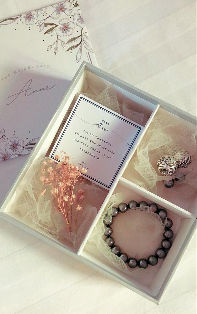 Das personalisierte Geschenk für die Brautjungfern.
