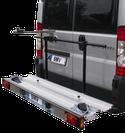 Systèmes de portage arrière pour camping-cars, caravanes et fourgons, ayant une charge utile de 120 à 150 kg. Systèmes de portage arrière pour le transport de scooters, motos ou vélos.