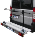 Systèmes de portage arrière pour camping-car, caravanes et fourgons, ayant une charge utile de 120 à 150 kg. Systèmes de portage arrière pour le transport de scooters, motos ou vélos.