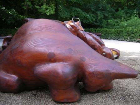 la Bête - sculpture ludique en bois de séquoia - 2009