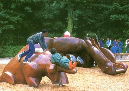 la Bête - sculpture ludique - en bois de cèdre