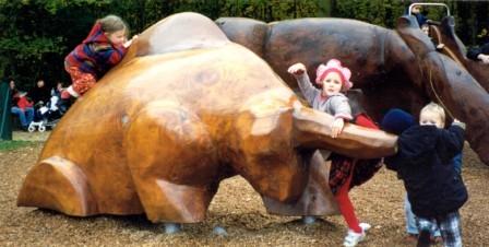 la Bête - sculpture ludique 1994 en bois de cèdre