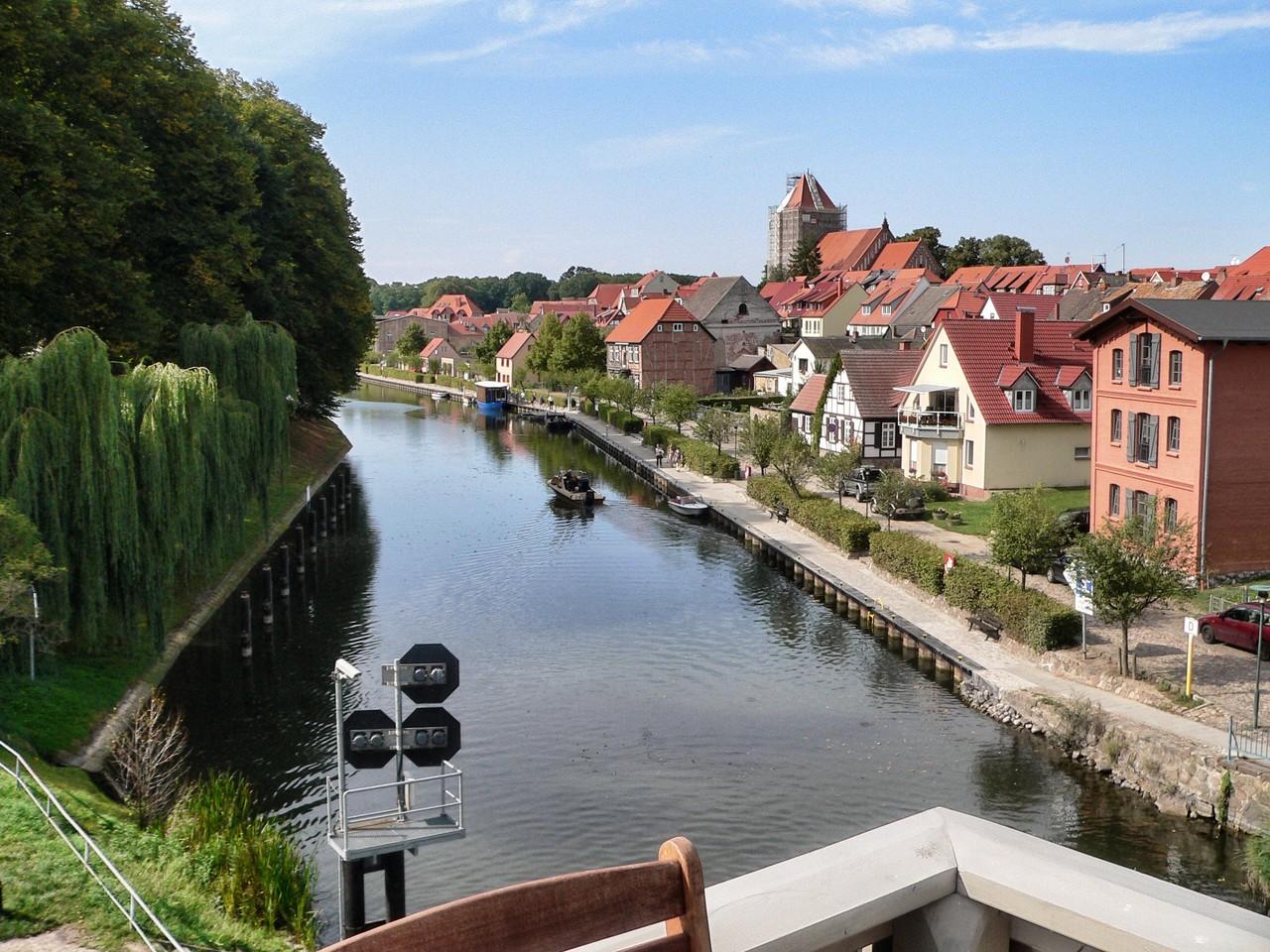 Blick auf Fluss und Altstadt