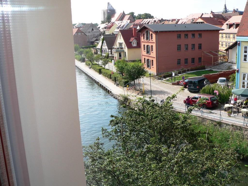 Blick in Richtung Stadt aus dem Fenster