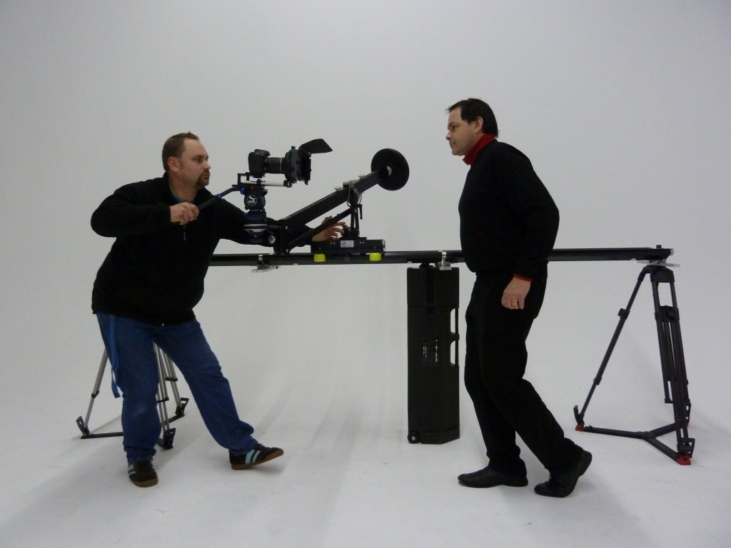 The Ejib ontop of the Twin Dolly Slider - shooting alike a Steadicam