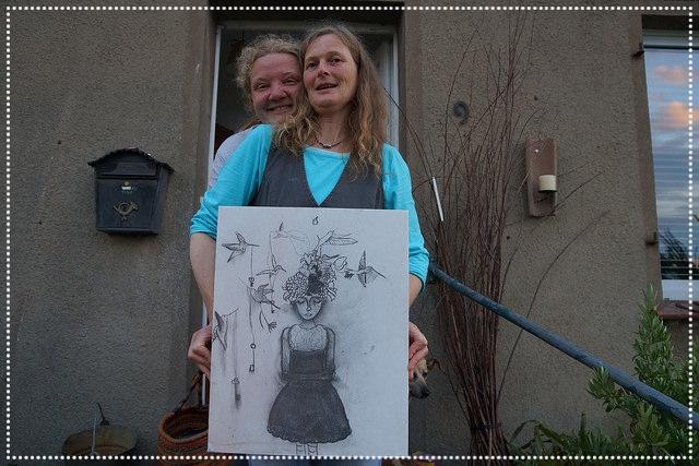 Wonne mit der Schlüsselfee und meiner Frau Kathrin,  Kohle auf Galeriekeilrahmen, 60x40cm, 2015