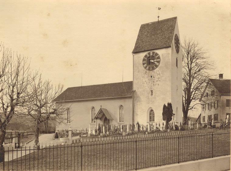 Kirche mit Friedhof vor der Renovation 1951