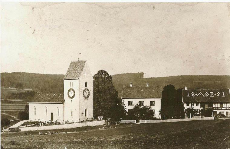 Kirche zwischen 1891 und 1906 mit alter Turmuhr