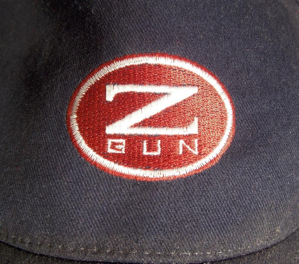 Logo Zoli ZGun sur casquette