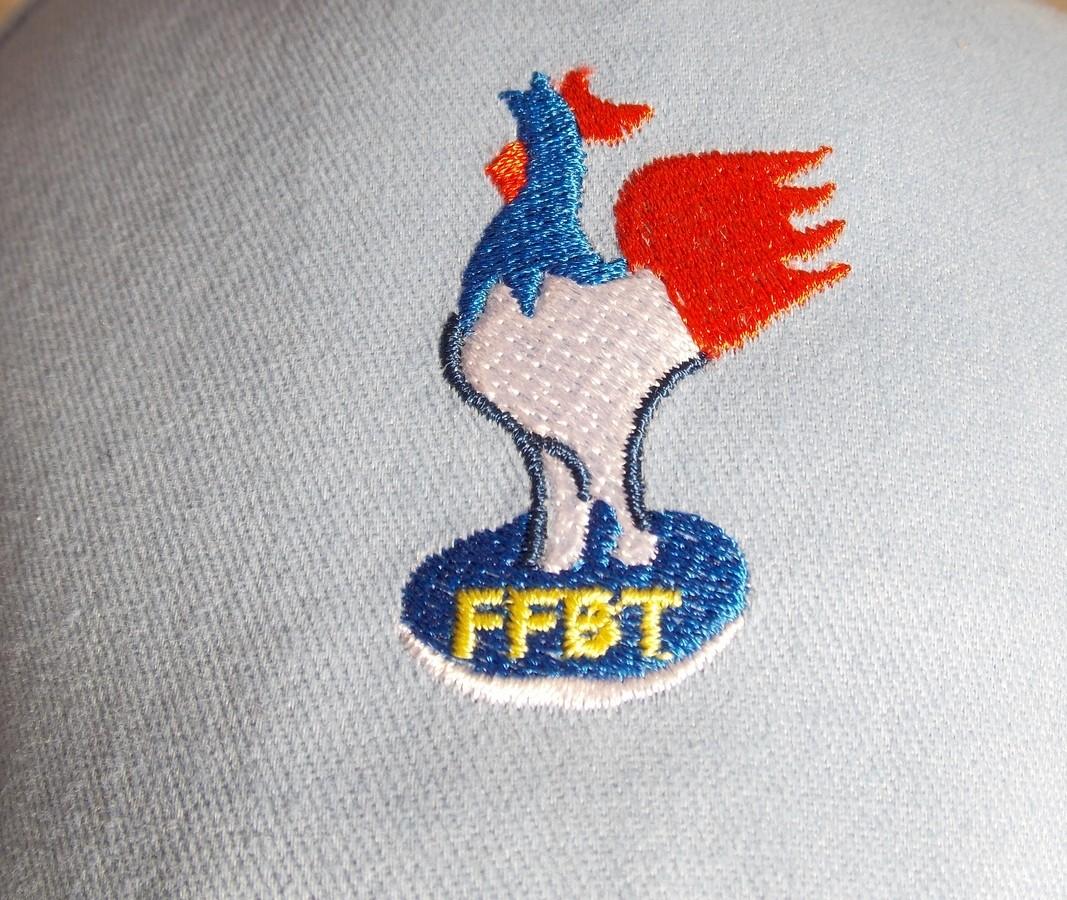 Coq F.F.B.T. (Sur Casquette)