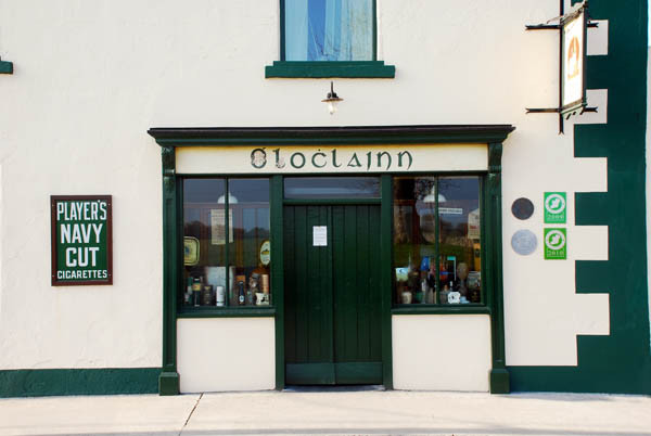 O'Loclainns Bar