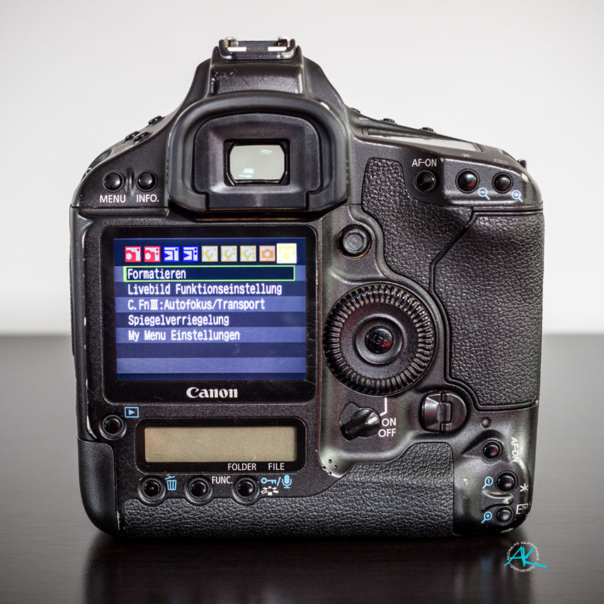 Canon EOS 1Ds Mark-III, Rückseite