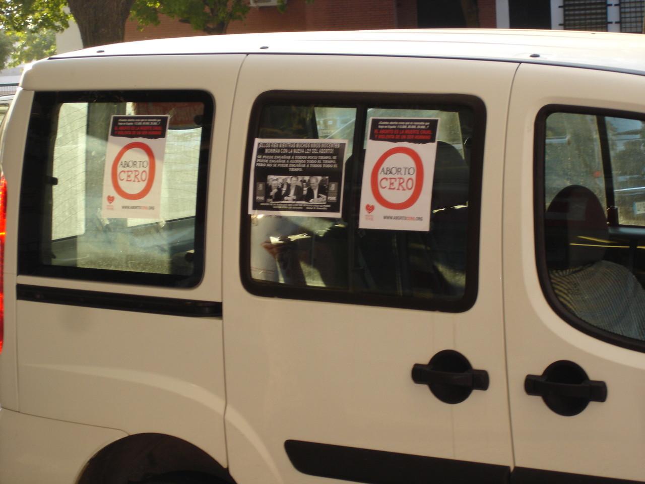 5-10-2.012, Recogida de firmas en contra del aborto.