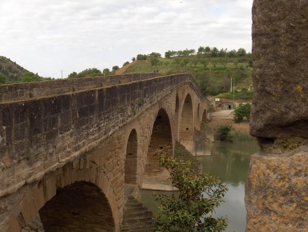 Die Puente de la Reina - die Brücke der Königin