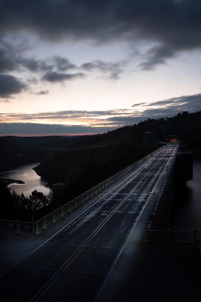 Sonnenaufgang an der Rappbodetalsperre (Harz) by picPond