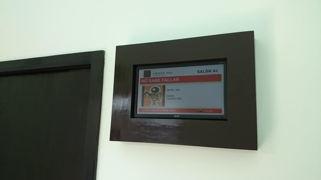 Fabricación de Marcos para pantallas en área de salones - Green ...