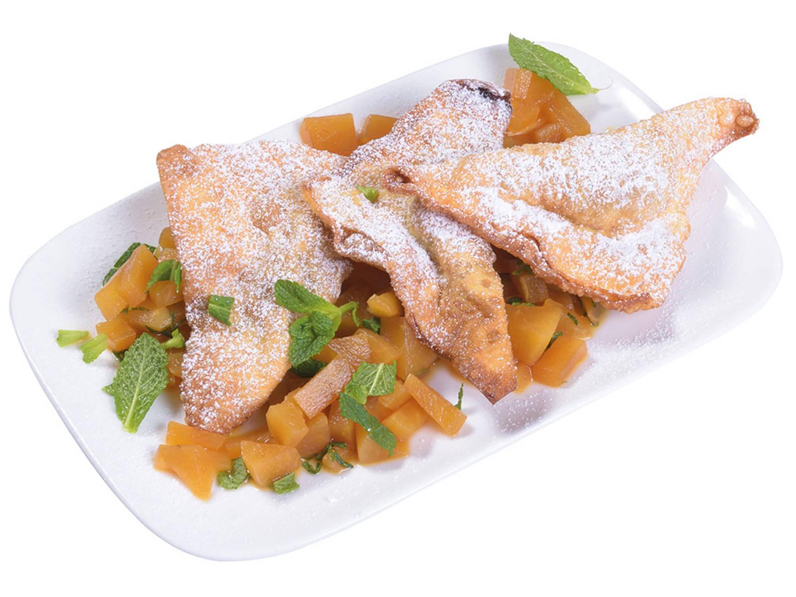 Ein ganz besonderes Dessert: gebackene Wantan gefüllt mit Birnenkompott