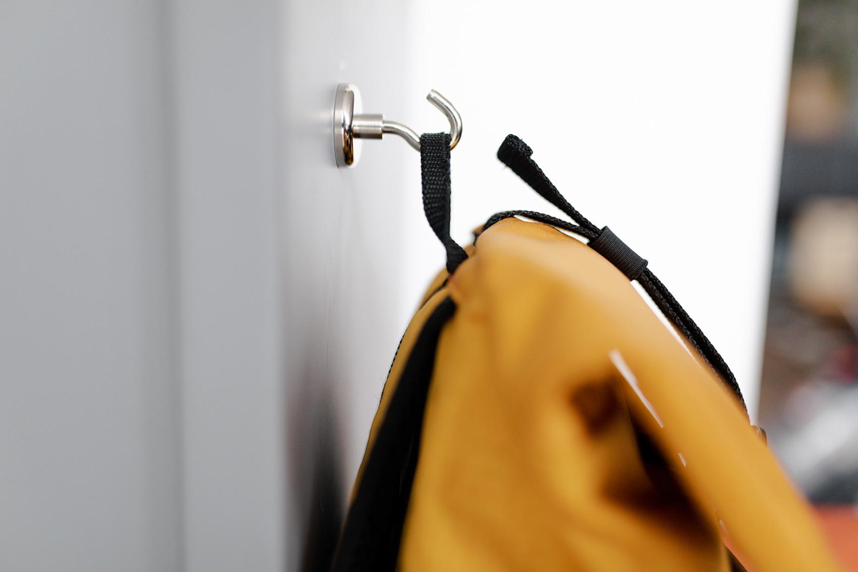 Belastbare Träger und Haken am Rucksack