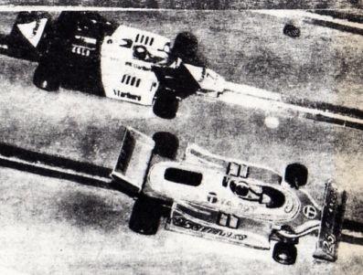 La McLaren de Magnani et la Ligier de Staumann ( AutoSprint )
