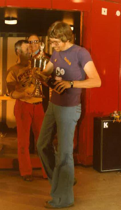 Champagne pour Joël Montague aux wolds 1978 à Göteborg ( photo Niels Elmholt Christensen. odenseminiracing.dk )
