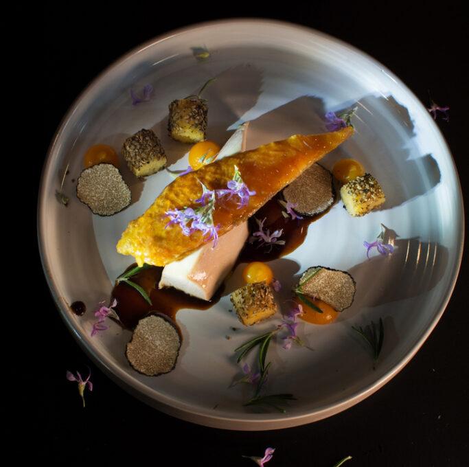 Rezepte mit frischen Trüffeln und Trüffelprodukten von Zigante. Viele leckere Rezepte vom Zigante Restaurant in Istrien. Die erfahrenen Köche zaubern Gerichte aus frischen Zutaten und Ihre kulinarischen Fähigkeiten sind erstklassig