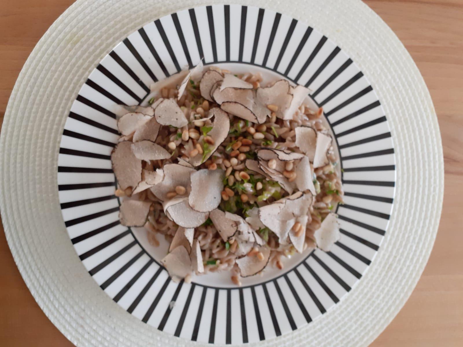 Roggenpasta mit frischen Sommertrüffel - Trüffelrezepte zum Genießen