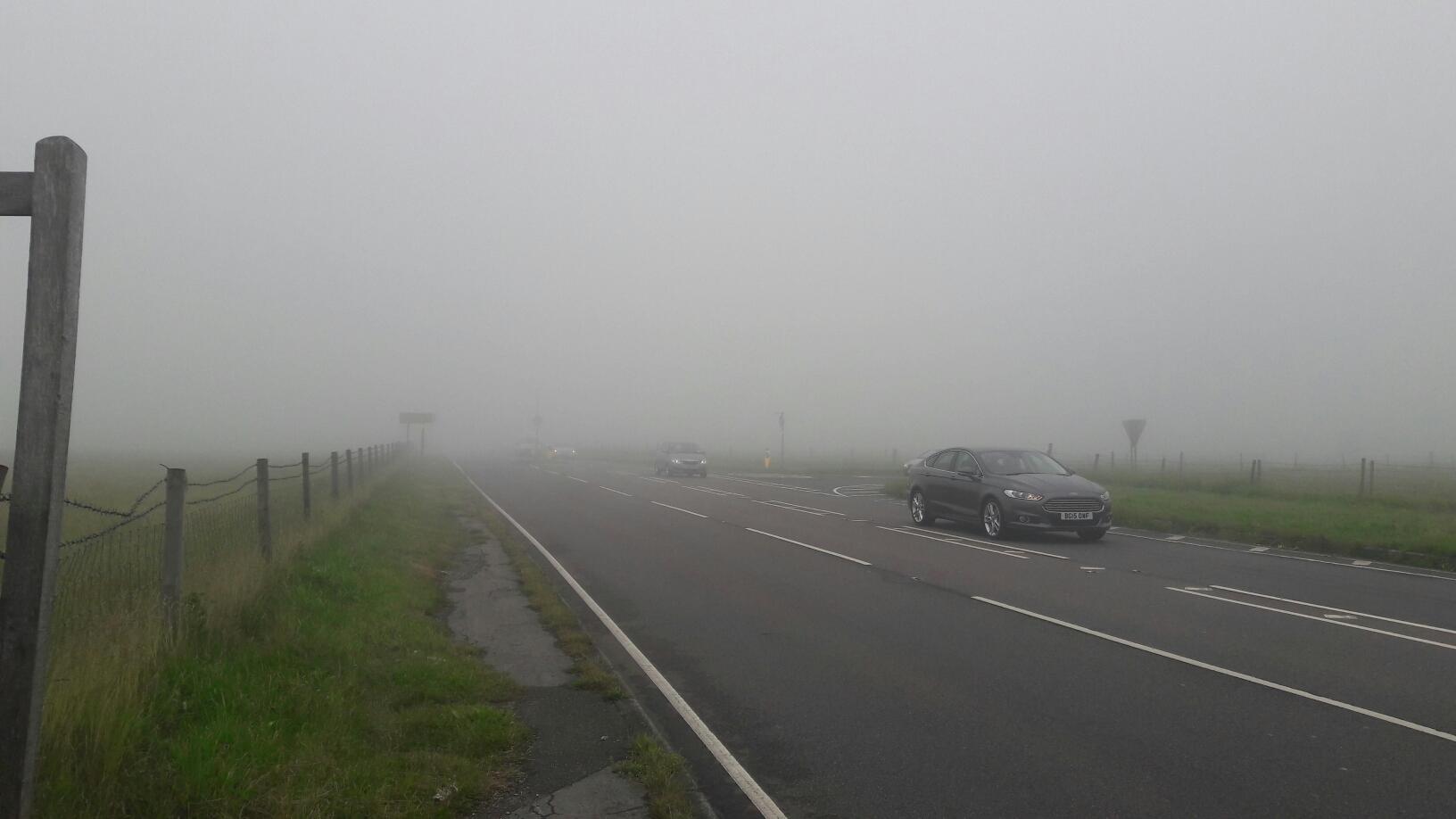 dicker Nebel zog auf, das machte die Bergauffahrt auf der Main Street noch ungemütlicher