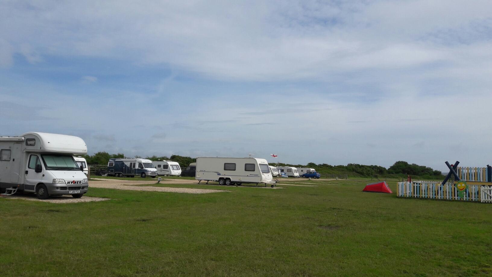 Zeltplatz bei Lymington 14.06.16,  der lag gleich an der Küste und ich konnte nach Isle of Wight schauen