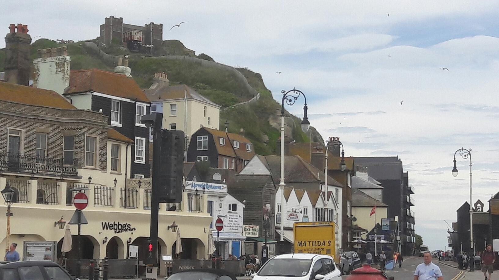 nochmal Hastings, gut besucht mit allen möglichen Freizeitangeboten