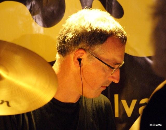 ... am Schlagzeug!