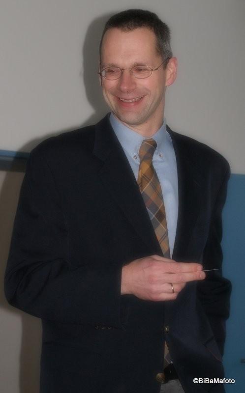 Pastor Steffen mit dem Motto des Jahres 2013 ...
