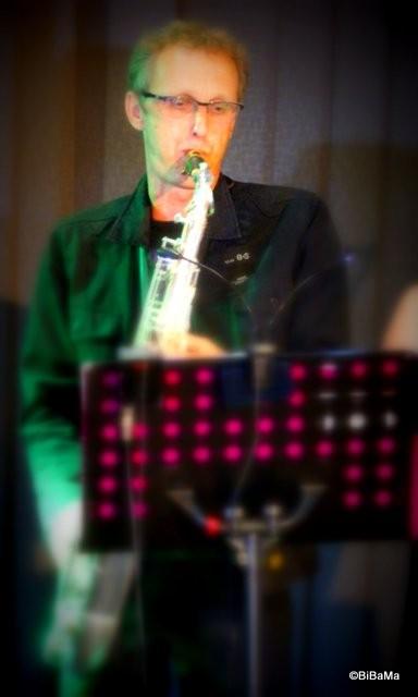 Der Mann am Saxophon ...