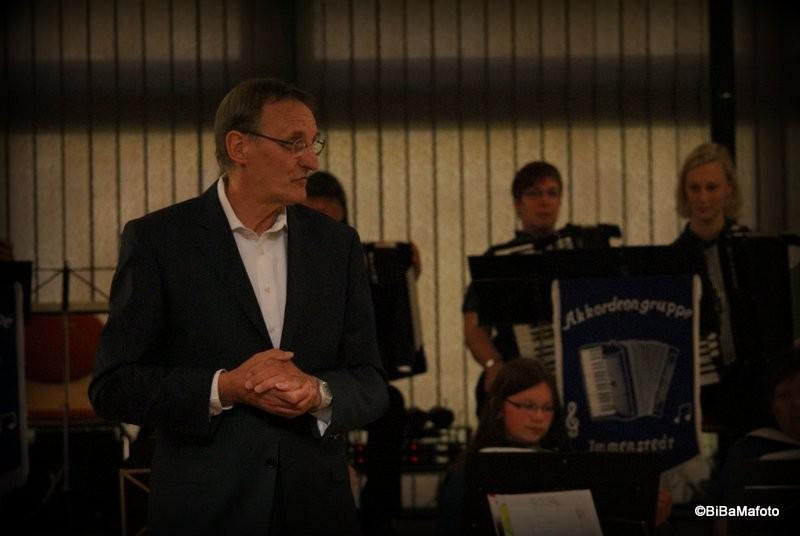 Klaus Peter Thies begrüßt die Gäste ...
