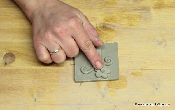 Töpfer-DIY: Keramik-Kühlschrankmagnet Schritt 9