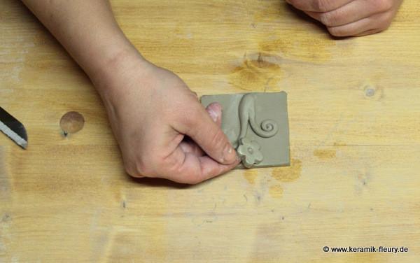 Töpfer-DIY: Keramik-Kühlschrankmagnet Schritt 8