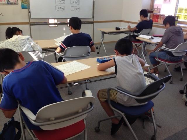 8月22日に行われた漢字検定試験。 小4~大人まで頑張りました。