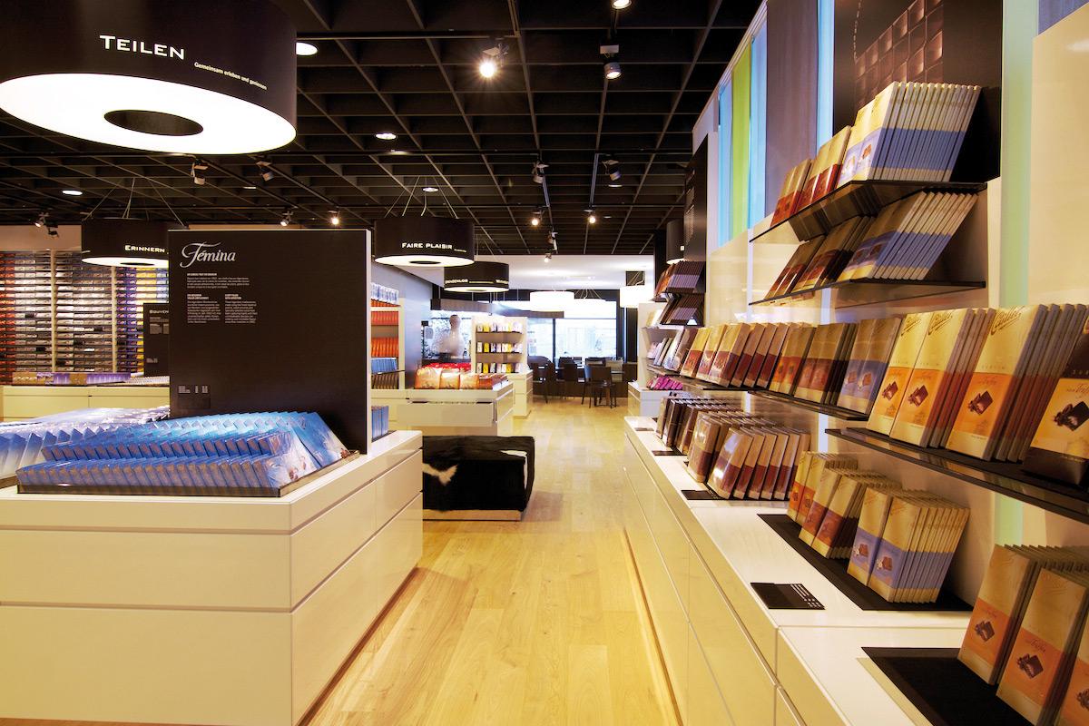 """Im ersten und größten """"Cailler Shop"""" steht den Besuchern das gesamte Schokoladensortiment zur Auswahl."""