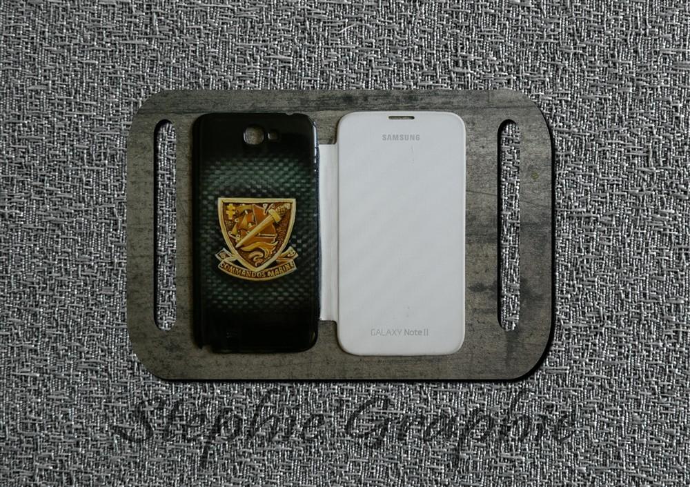 Décoration + vernis réalisés sur coque téléphone Samsung.