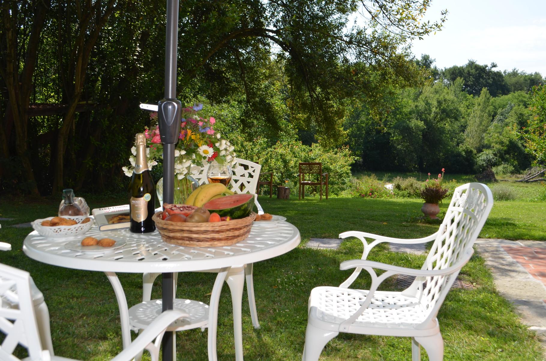 Il giardino del b and b di Loro Ciuffenna