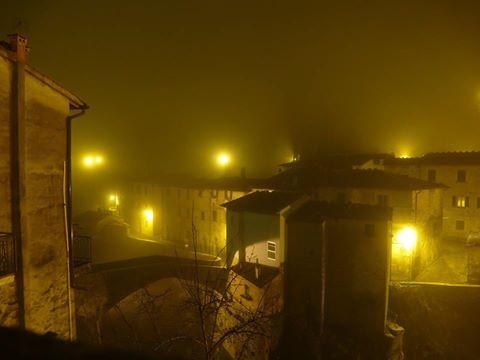 Loro Ciuffenna - nebbia