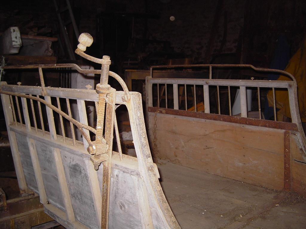 la restauration de voitures anciennes cheval ecurie d 39 attelage la combe du puy. Black Bedroom Furniture Sets. Home Design Ideas